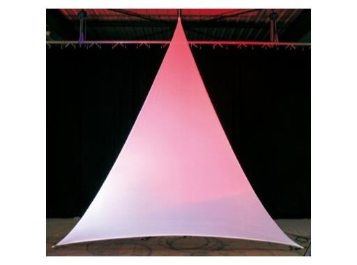 TOILE EXTENSIBLE M1 • Triangle isocèle B 3 m H 5 m la pièce