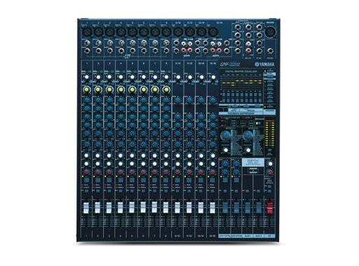 YAMAHA • Console 8 entr. Mic/ligne+comp, 4 st, 2 x 500W / 4 Ohms, Anti Larsen, 2