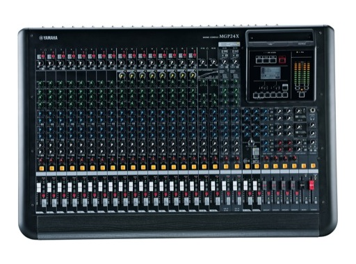 YAMAHA • Console 24 entrées, 16 mic, Line: 16m + 4st, 4 gpes, 6 aux., 2 SPX, USB