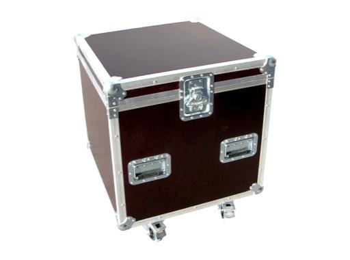 Flight case • Malle classique 560 x 560 x 600 mm + 4 roulettes
