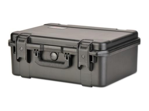 SKB • Valise étanche noire 470 x 330 x 178 (140+38) mm avec mousse