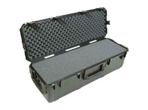 SKB • Valise étanche noire 1080 x 330 x 305 (254+51) mm avec mousse + roulettes