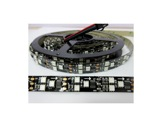LED STRIP • 450 LEDs matricées (par 3) RGB 12 V 135 W 5 m IP20 fond noir-led-strip