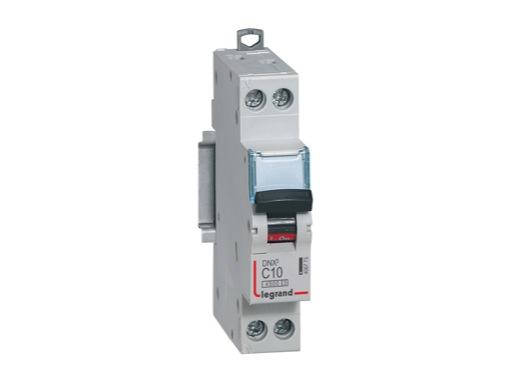 LEGRAND • Disjoncteur,P+N,C10A 4500A DNX