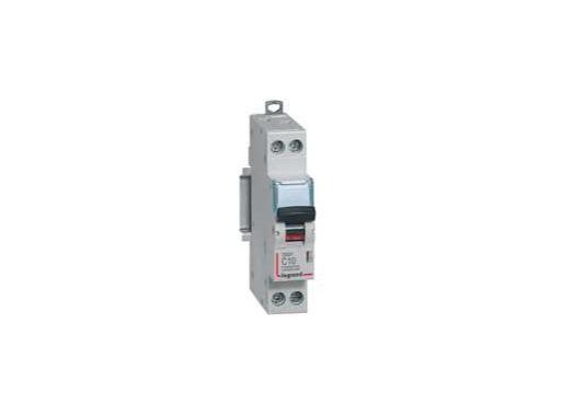 LEGRAND • Disjoncteur,P+N,C20A 4500A DNX