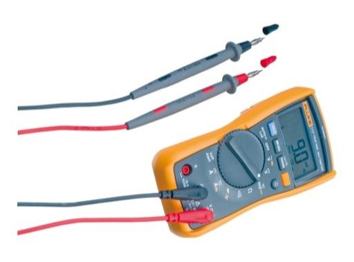 FLUKE • 117 Multimètre numérique V, A, Hz, F, retroéclairé